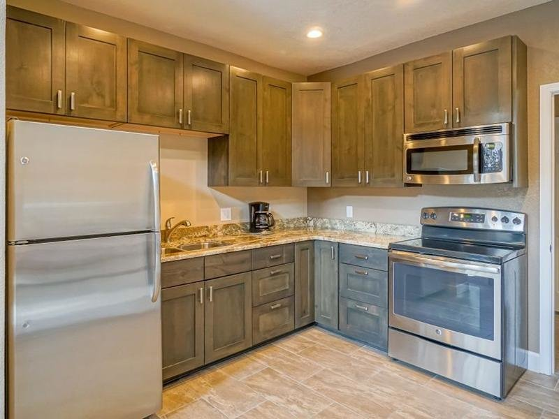Kitchen | The Enclave Apartments