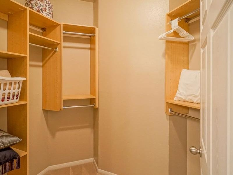 Walk in Closets - Apartments with Walk in Closets