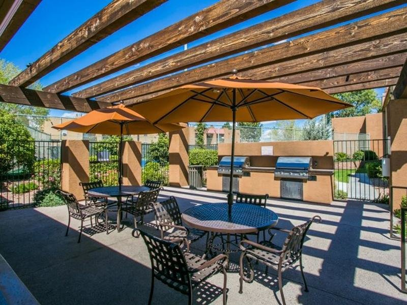 Community BBQ Picnic Area | Sombra del Oso Apartments in Albuquerque NM