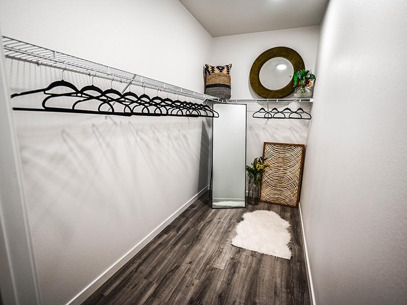 Walk In Closet | Camino Real