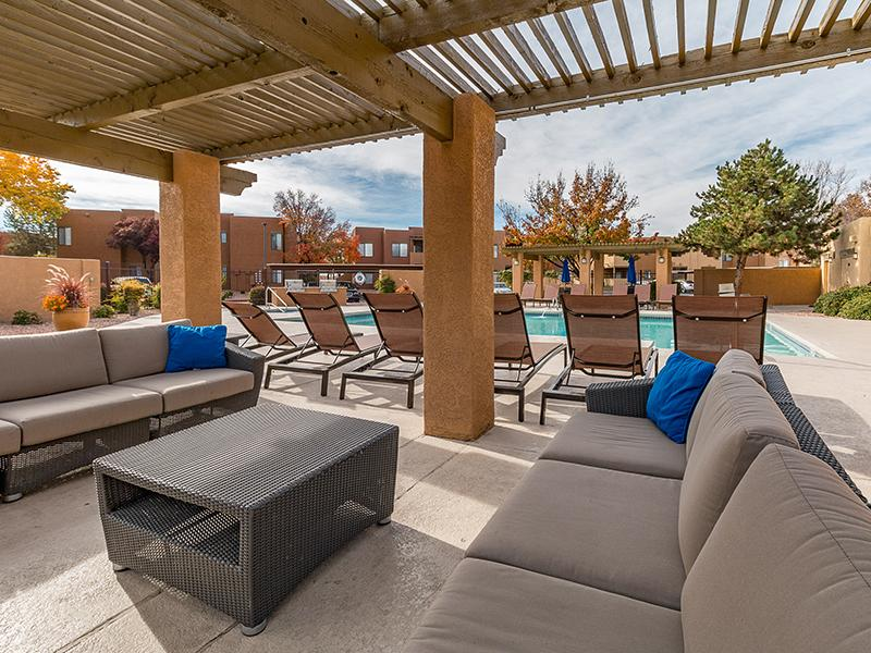 Poolside Lounge | San Miguel Del Bosque