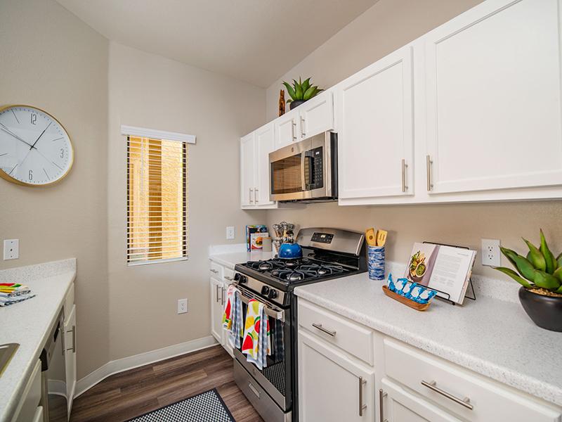 Beautiful Kitchen | San Miguel Del Bosque Apartments in Albuquerque, NM