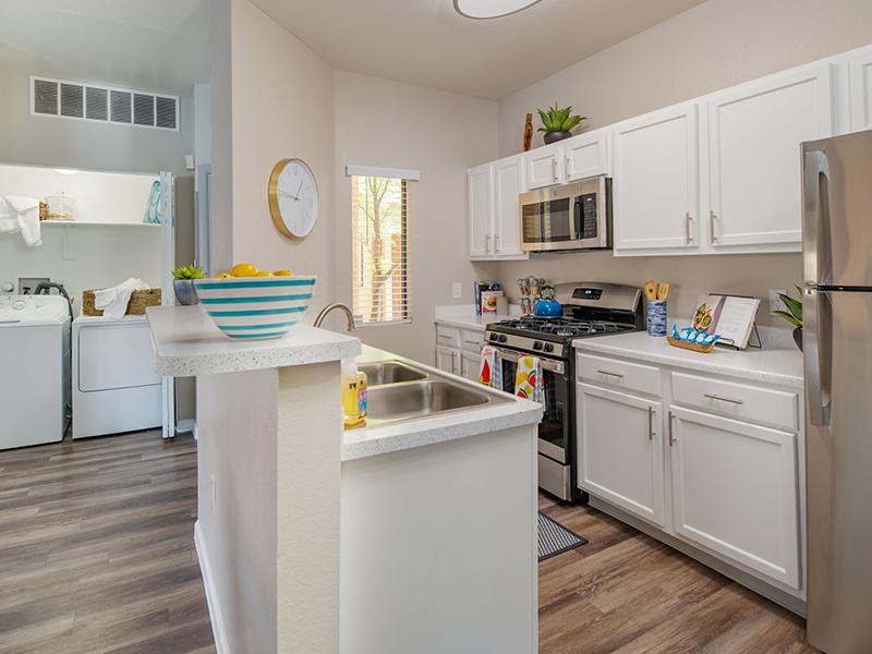 Kitchen | San Miguel Del Bosque Apartments in Albuquerque, NM