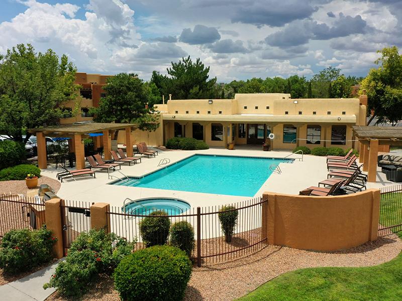 Pool and Hot Tub | San Miguel Del Bosque Apartments in Albuquerque, NM