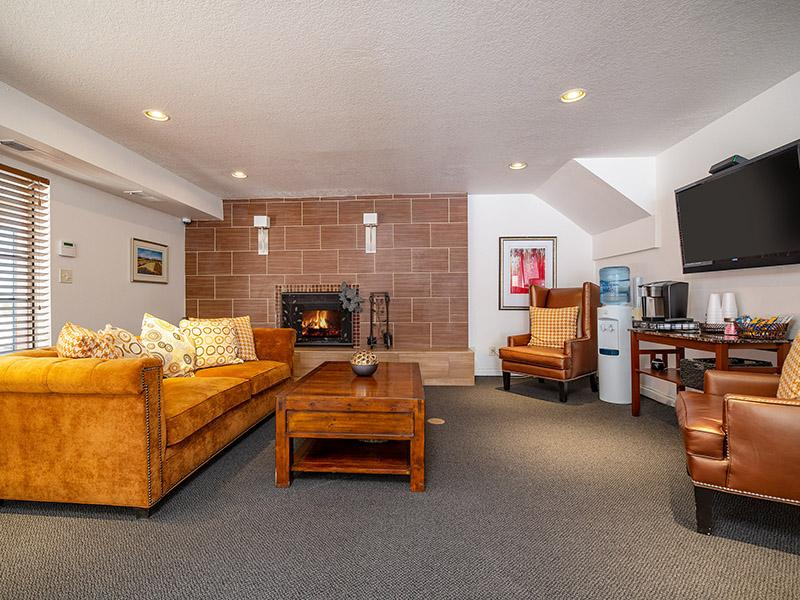 Clubhouse Interior   Northpointe Village Apartments