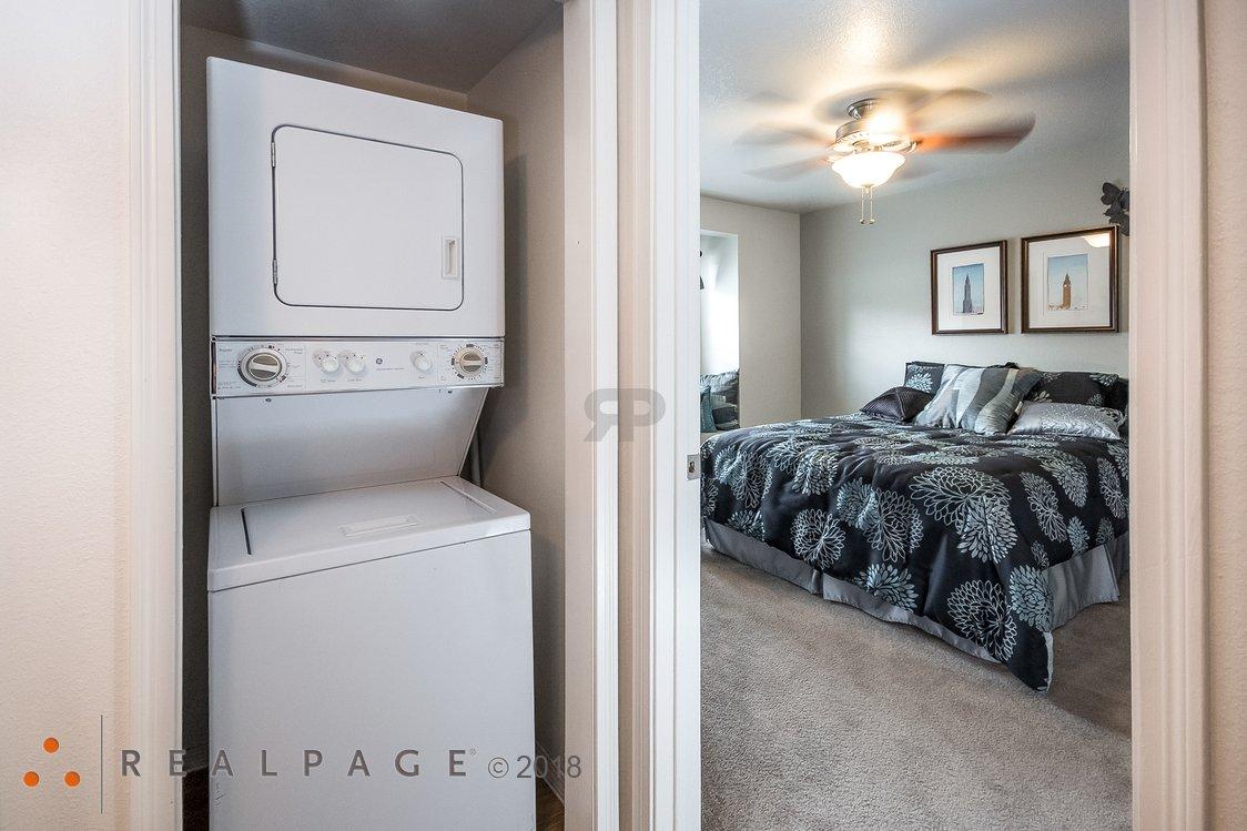 Washer & Dryer | Northpointe Village Apartments