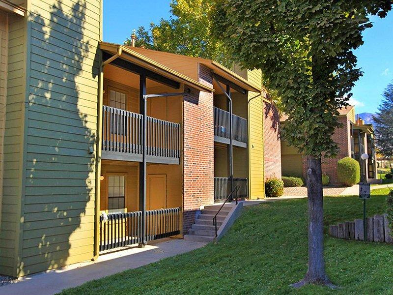 Building Exterior | Northpointe Village Apartments