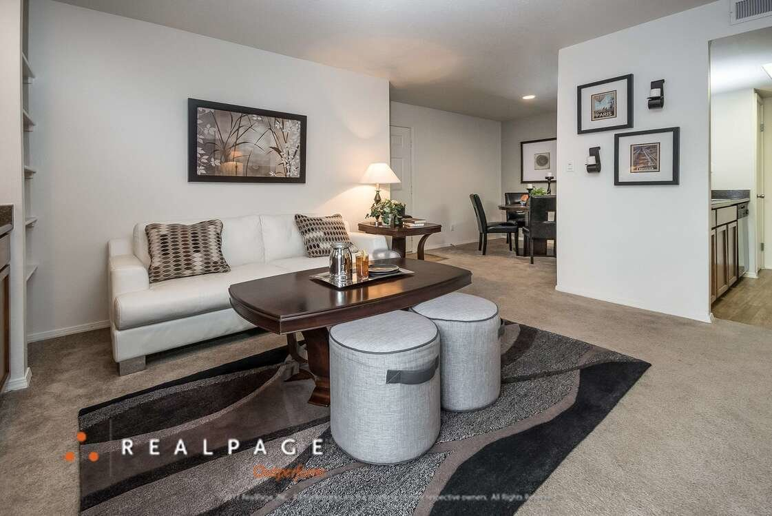 Living Room | Northpointe Village Apartments