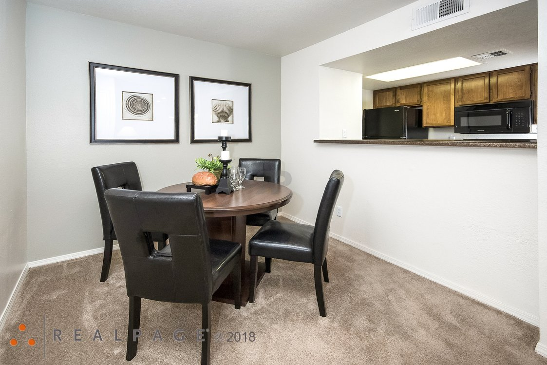 Dining Room | Northpointe Village Apartments