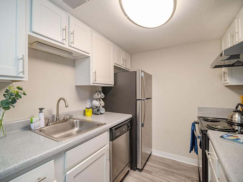Fully Equipped Kitchen | Villa Serena Apartments in Albuquerque, NM