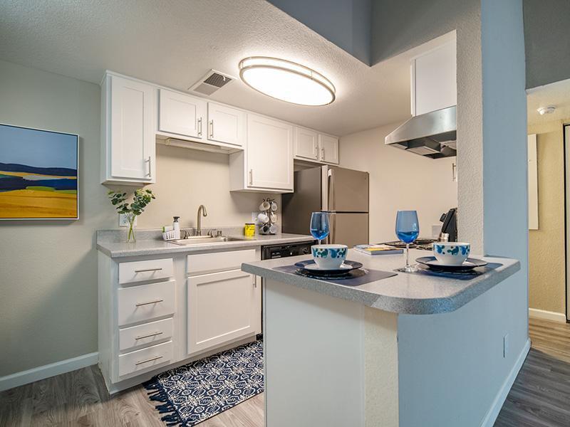 Kitchen | Villa Serena Apartments in Albuquerque, NM