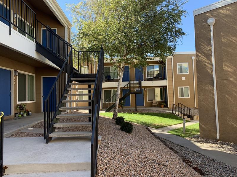 Exterior | Villa Serena Apartments