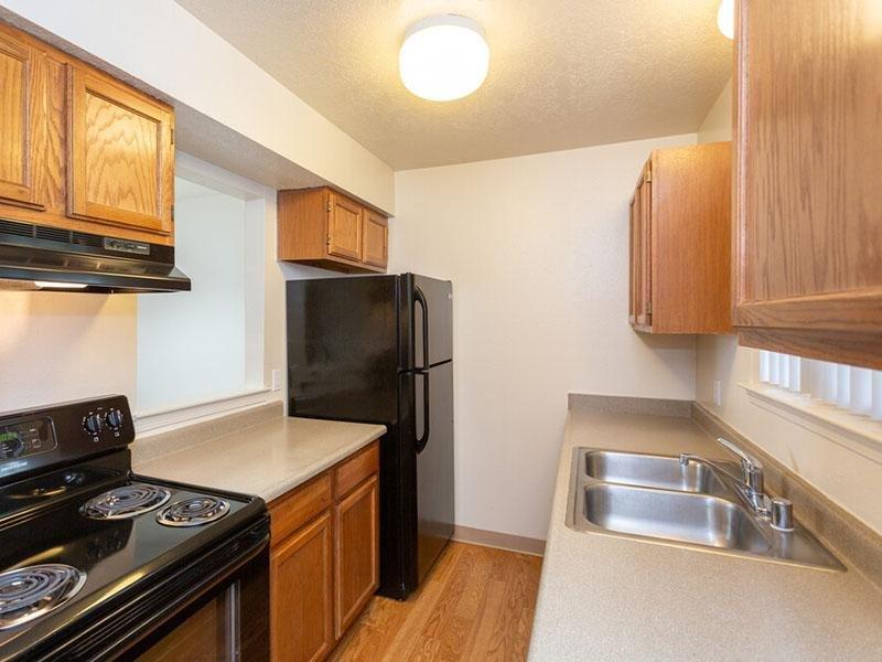 Kitchen   Meadowlark Apartments