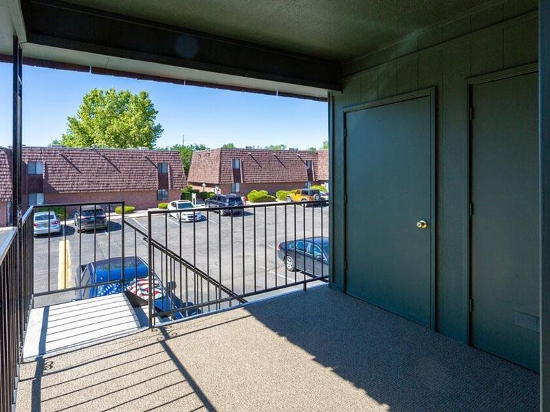 Balcony   Meadowlark Apartments