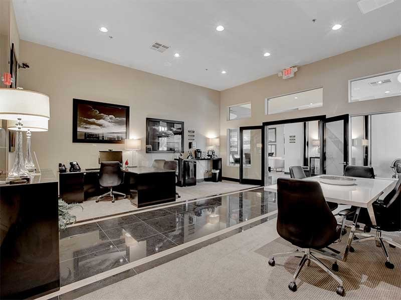 Leasing Office | St Clair Apartments