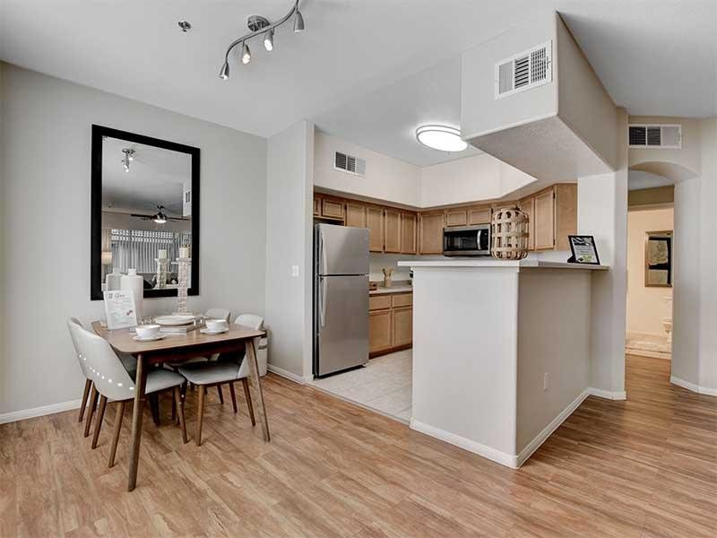 Dining Room & Kitchen | St Clair Apartments