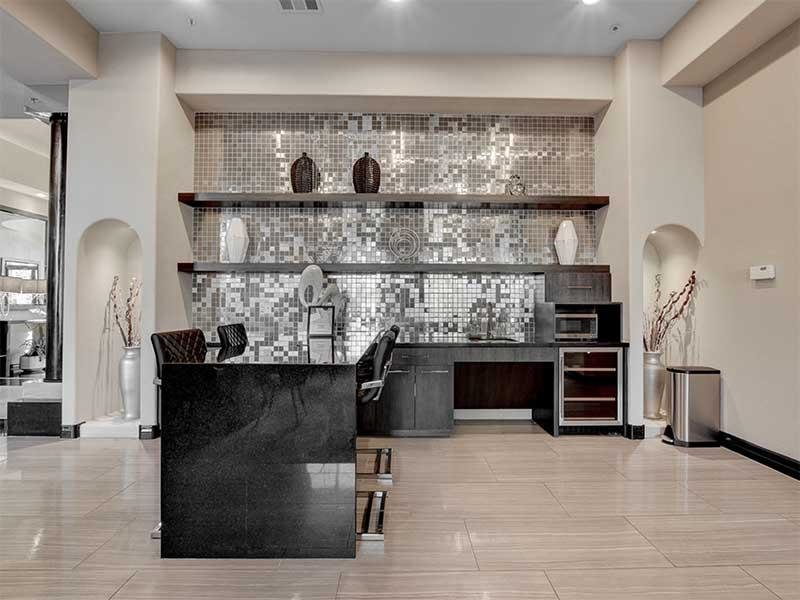 Clubhouse Kitchen | St Clair Apartments