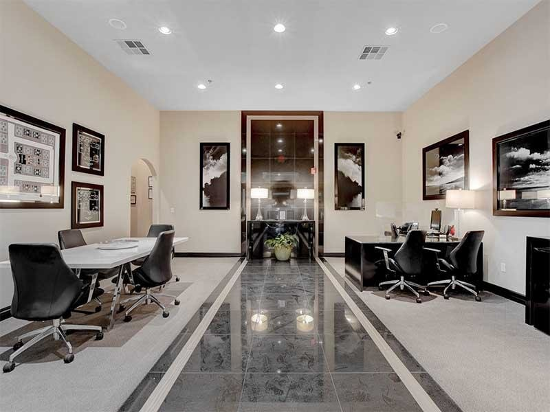 Leasing Center | St Clair Apartments