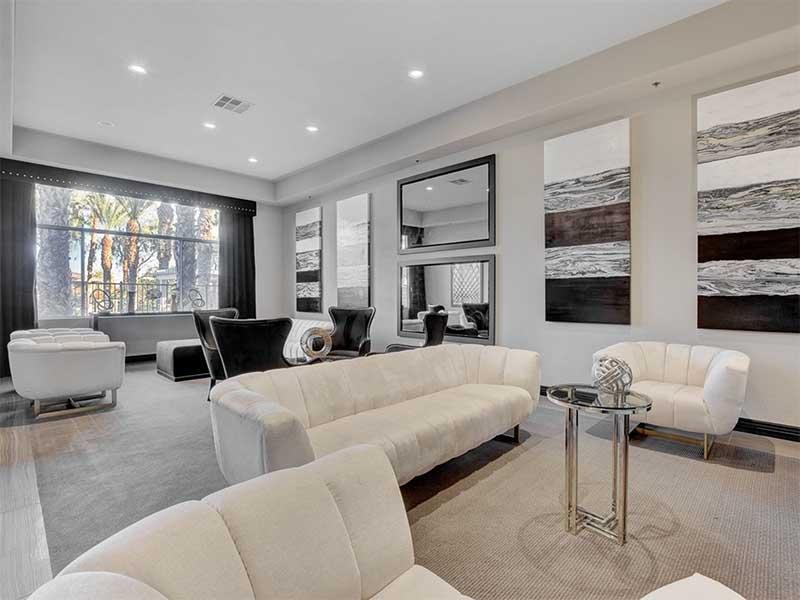 Lounge | St Clair Apartments