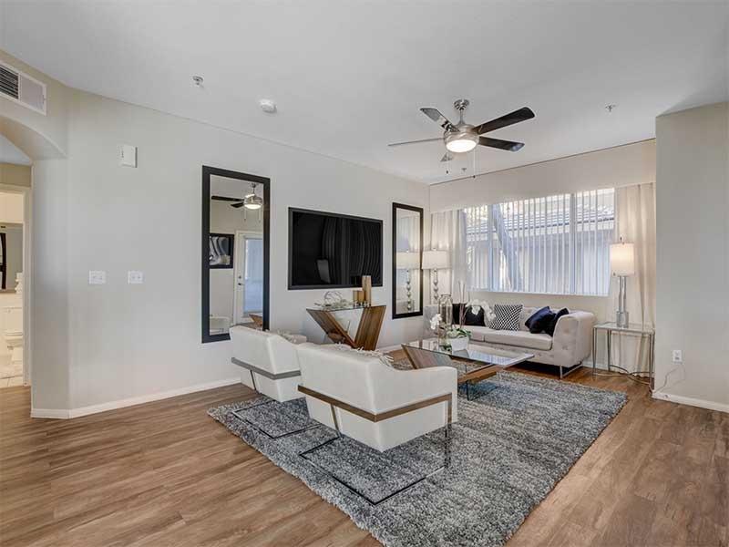 Spacious Floorplans | St Clair Apartments