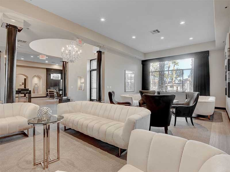 Clubhouse Lounge | St Clair Apartments