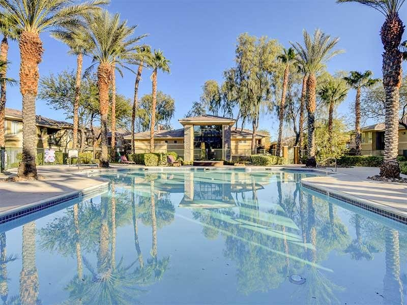 Resort Style Pool | St Clair Apartments