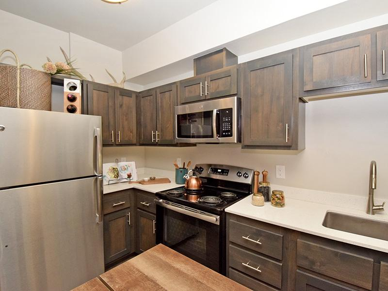 Modern Kitchen Features At Coburn Crossing