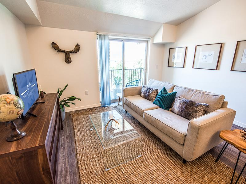 Living Room | Wasatch Commons 84032 Apartments
