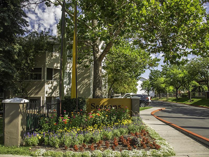 Property Entrance | Seasons at Pebble Creek