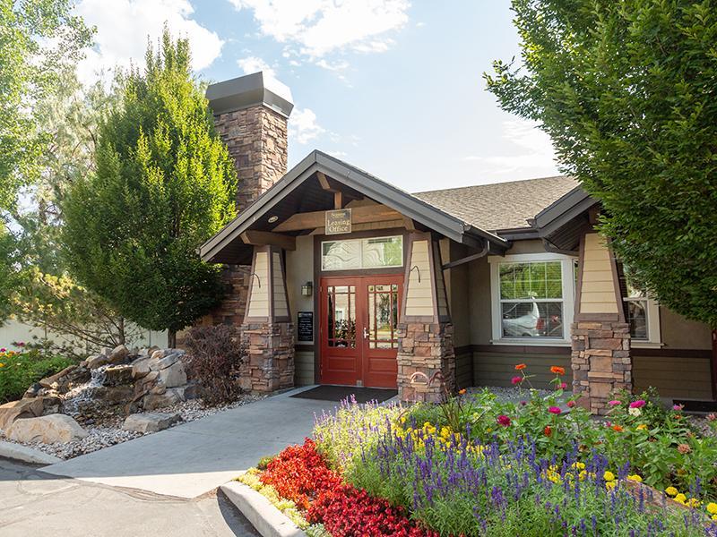 Club House Entrance | Seasons at Pebble Creek