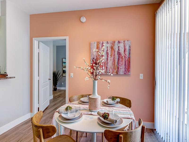 Dining Model - Apartments in Phoenix, AZ