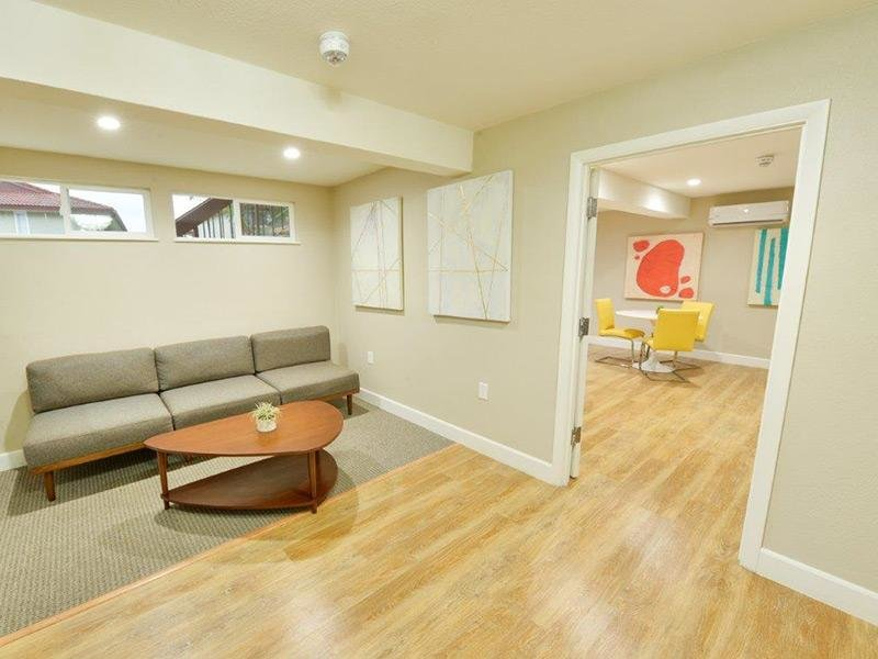Leasing Center - Lounge apartment