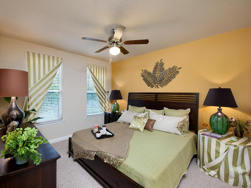Spacious 1, 2, and 3 Bedroom Apartments | The Park at Southwood Apartments