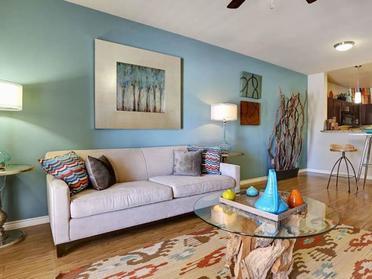 Living Room | Highpointe Park