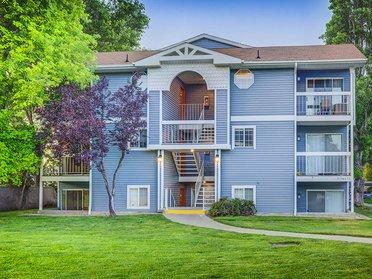 Exterior   Creekview Apartments in Midvale, UT