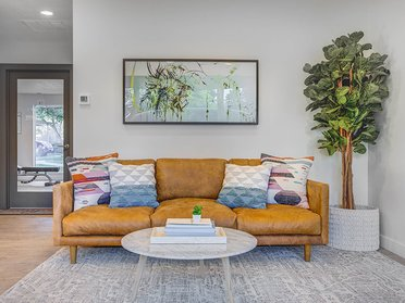 Lobby   Creekview Apartments in Midvale, UT