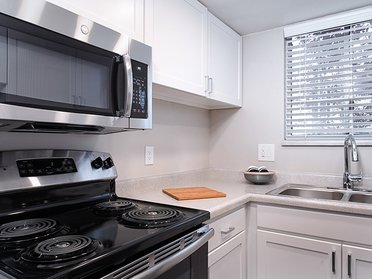 Fully Equipped Kitchen   Creekview Apartments in Midvale, UT