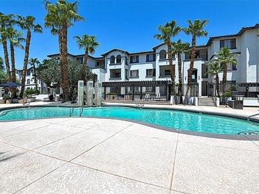 Swimming Pool | Serafina Apartments