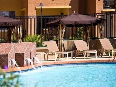 Resort Style Swimming Pool With Fountains | Serafina Apartments in Goodyear AZ