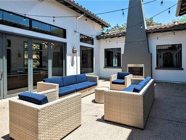 Outdoor Fireplace Lounge | Serafina Apartments