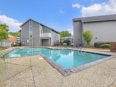 Pool | The Mark Apartments