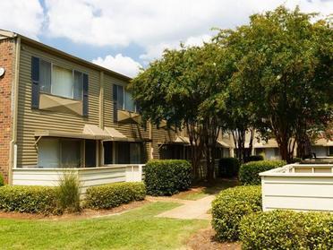 Exterior | Park at Moss Creek Apartments