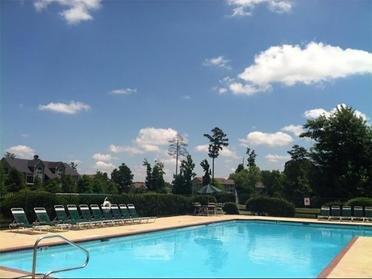 Pool | Spring Lake Apartments