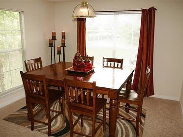 Dining Room | WIndsor Lake