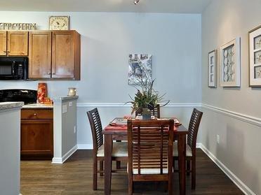 Dining Room | Vinings at Carolina Bays