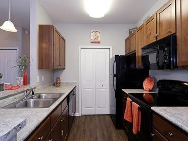 Kitchen | Vinings at Carolina Bays