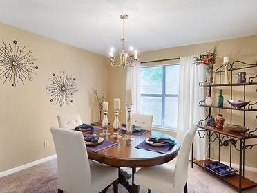 Dining Room | Van Mark Apartments