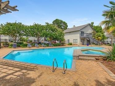 Pool & Hot Tub  | Van Mark Apartments