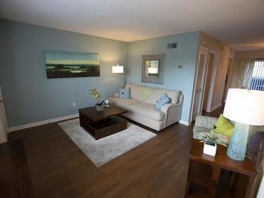 Living Room | Cornerstone Apartments & Townhomes