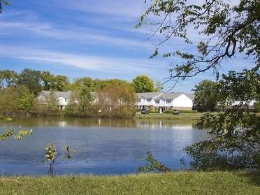 Pond | Cornerstone Apartments & Townhomes